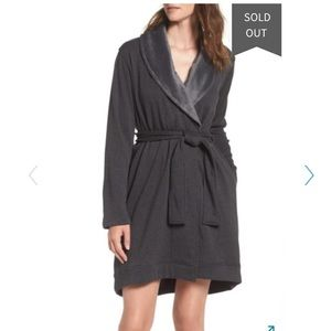 UGG Blanche Robe size XS